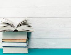 ۵ کتابی که با خواندن آن ها عاشقشان می شوید.